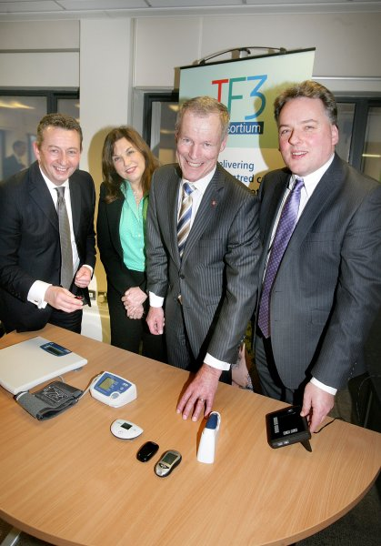 Sir Lockwood Smith visits Telemonitoring NI centre for learning visit
